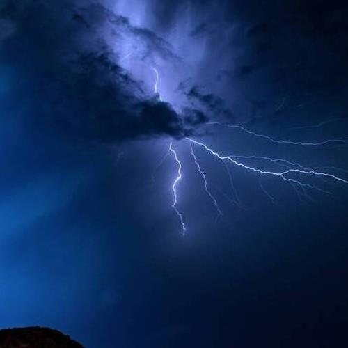 Και πάλι τοπικά ισχυρές καταιγίδες στα ηπειρωτικά αύριο Σάββατο.