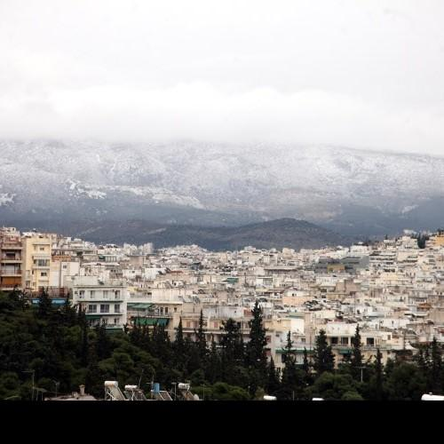 Τοπικές βροχές και χιονοπτώσεις στα ορεινά και τα ημιορεινά της Αττικής για αύριο Τετάρτη