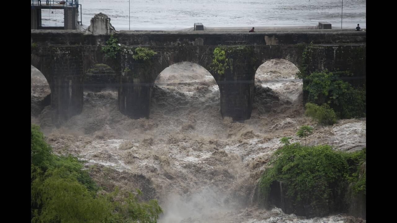 Τροπική Καταιγίδα «Αμάντα»: Σαρώνει Ελ Σαλβαδόρ και Γουατεμάλα – Τουλάχιστον 14 οι νεκροί