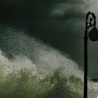 Ισχυροί άνεμοι στο Αιγαίο και τοπικές βροχοπτώσεις για αύριο Δευτέρα.