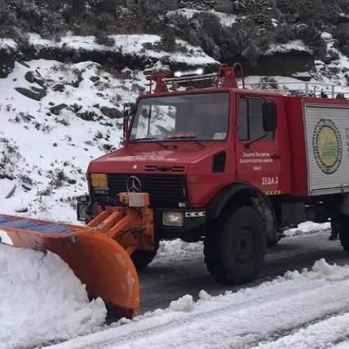 Χιονίσε και στις Κυκλάδες Ανδρο, Τήνο, Μύκονο και Νάξο.Δείτε σχετικά βίντεο.