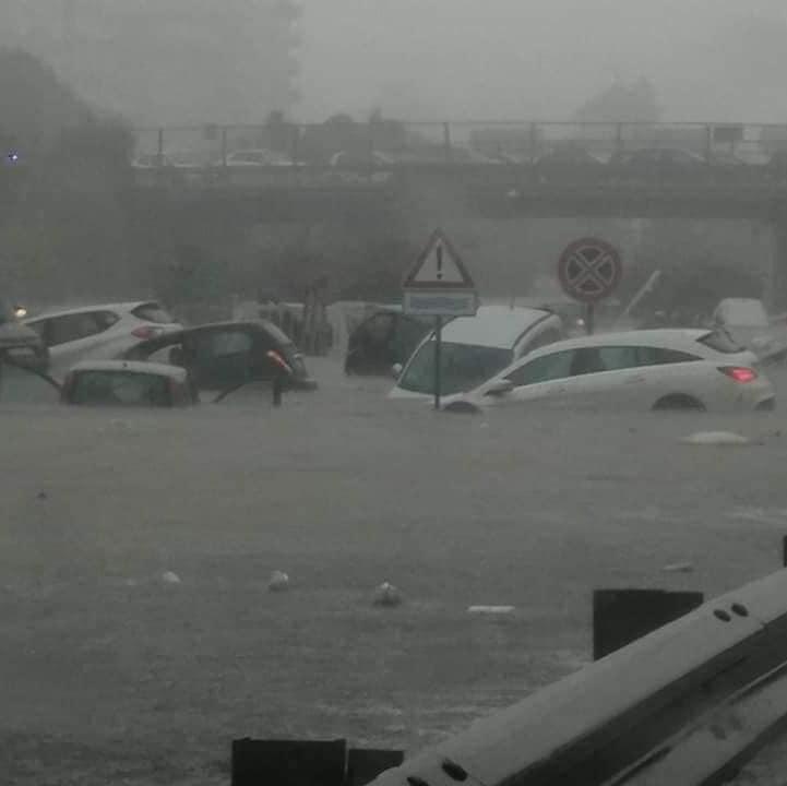Φονικές καταιγίδες στην Ιταλία με πλημμύρες. 2 νεκροί στο Παλέρμο. Δείτε βίντεο.