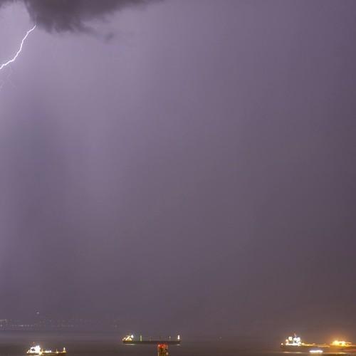 Βροχές και τοπικά έντονες καταιγίδες τις επόμενες ώρες στην πόλη της Θεσσαλονίκης.