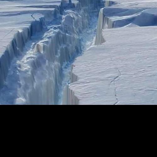 Παγόβουνο στο Μέγεθος του Λονδίνου απομακρύνθηκε από την Ανταρκτική.