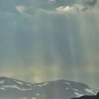 Τοπικές βροχές και λίγες χιονοπτώσεις στα ορεινά για αύριο Τρίτη.