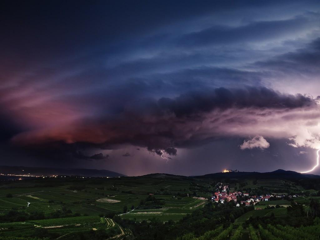 Βροχές και ισχυρές καταιγίδες στα ηπειρωτικά για αύριο Παρασκευή